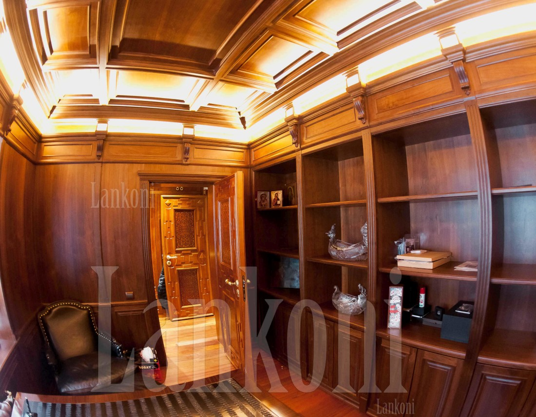 Домашний кабинет в особняке